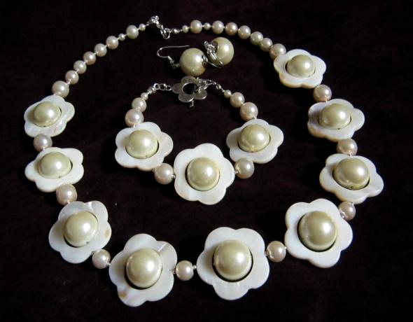 Kremowo perłowe kwiaty piękny zestaw biżuterii