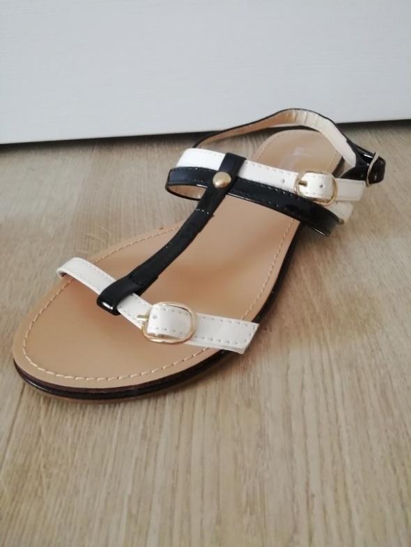 Nowe cudne sandałki 35