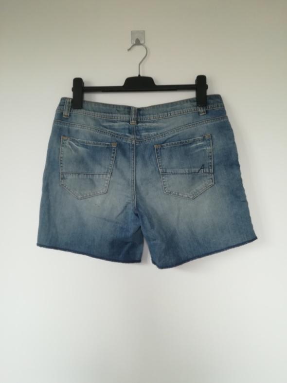 Modne spodenki Jeans XL