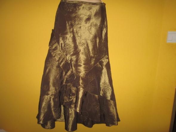 Bardzo elegancka spódnica z tafty wyszywanej sznur