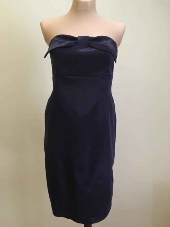 Fioletowa sukienka bez ramiączek