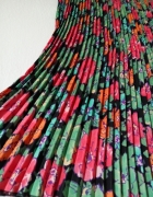 Kwiecista plisowana spódnica...