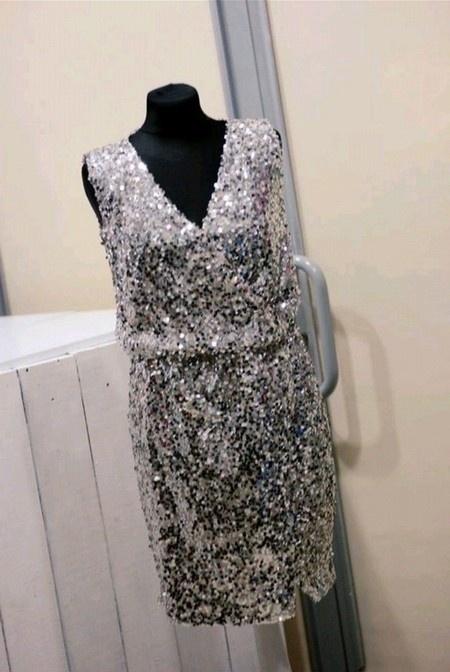 Nowa cekinowa kopertowa sukienka Mohito srebrna cekiny