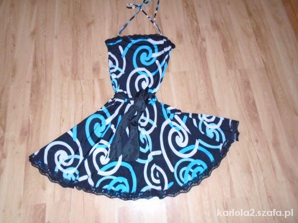 śliczna sukienka we wzorki