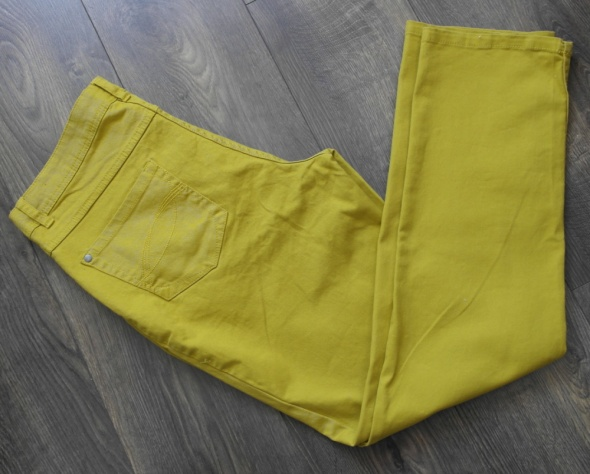 Spodnie nowe z metkami musztarda jasna 44