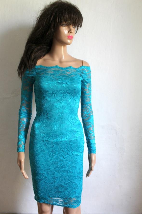 Suknie i sukienki koronkowa niebieska dopasowana sukienka r XS