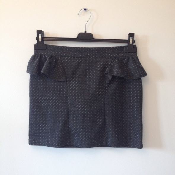 spódniczka kropki s czarna mini...