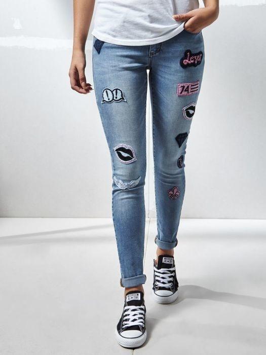 Rurki skinny naszywki jasne jeansy house...