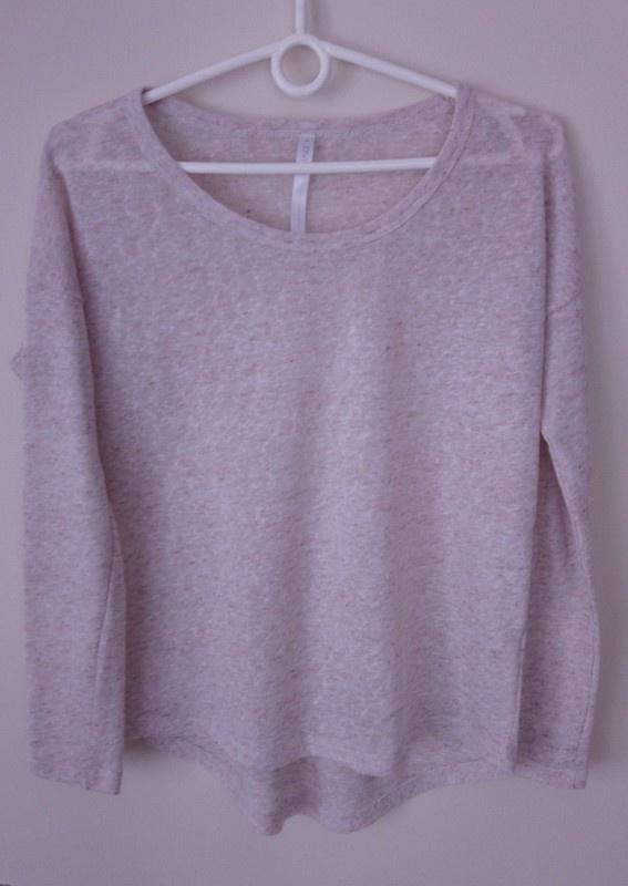 Beżowa bluzka Diverse beżowy sweterek Diverse...
