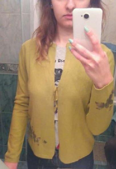 Sweterek oliwkowy 38 wiązany sznureczki