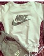 Bluza od dresu nike sportowa biała szary nadruk...