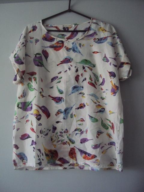 bluzka w kolorowe ptaszki...