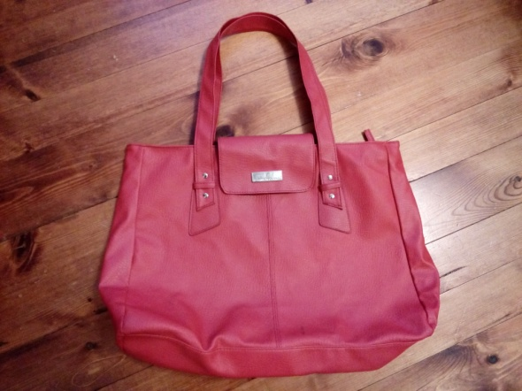 Czerwona torebka...