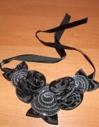 czarny naszyjnik kołnierzyk róże srebrne dodatki