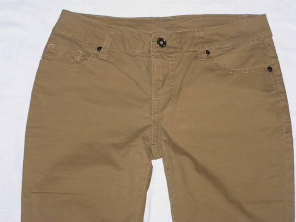 Spodnie Karmelowe rurki skinny AMISU