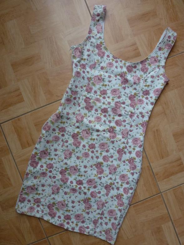 Sukienka mini 34 XS Kwiaty kwiatuszki floral...