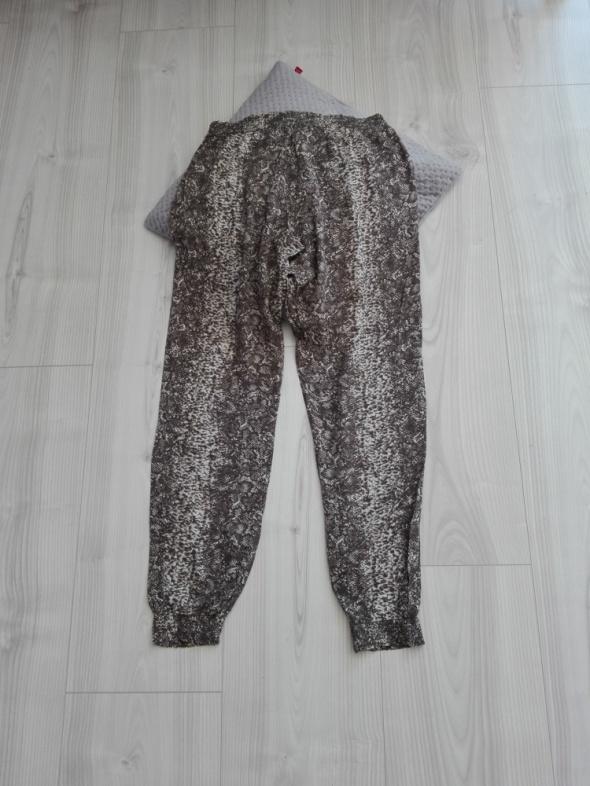 Luźne spodnie na lato M 38 C&A...