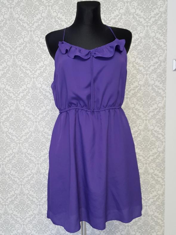 fioletowa sukienka z kieszeniami BCBGeneration...