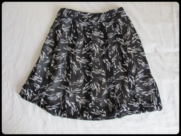 Spódnice Spódnica z plisami zakładkami 40 L super na lato