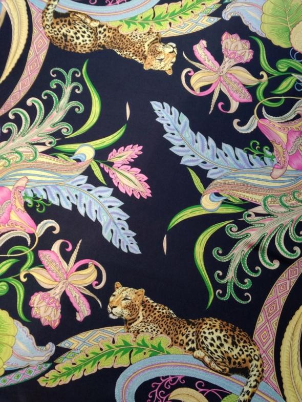 Włoska jedwabna chusta w piękny kolorowy wzór Medici