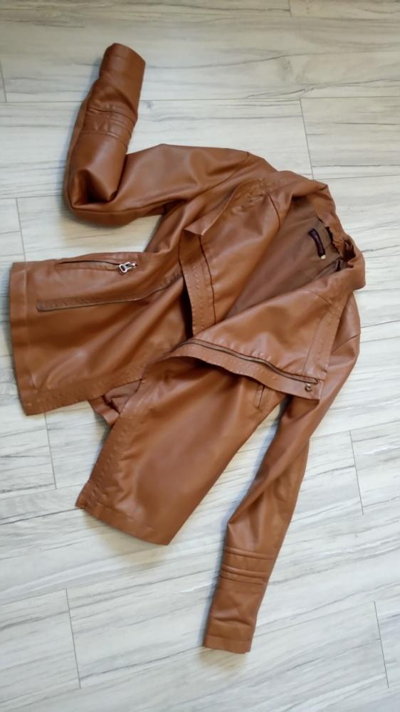 Karmelowa kurtka ramoneska asymetryczna brązowa