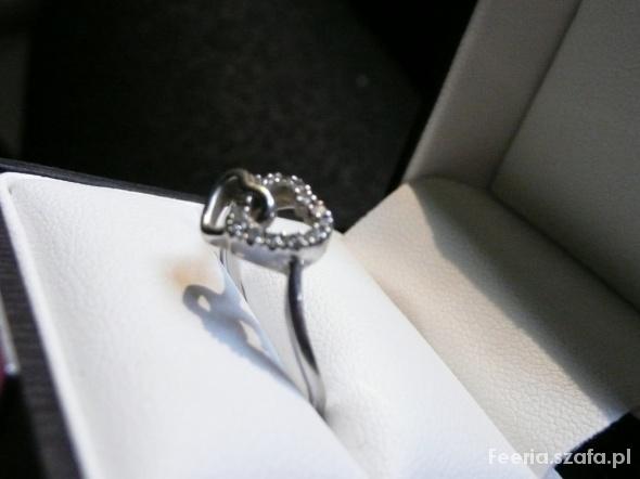 Pierścionki pierścionek z 12 brylantami prawdziwymi certyfikat