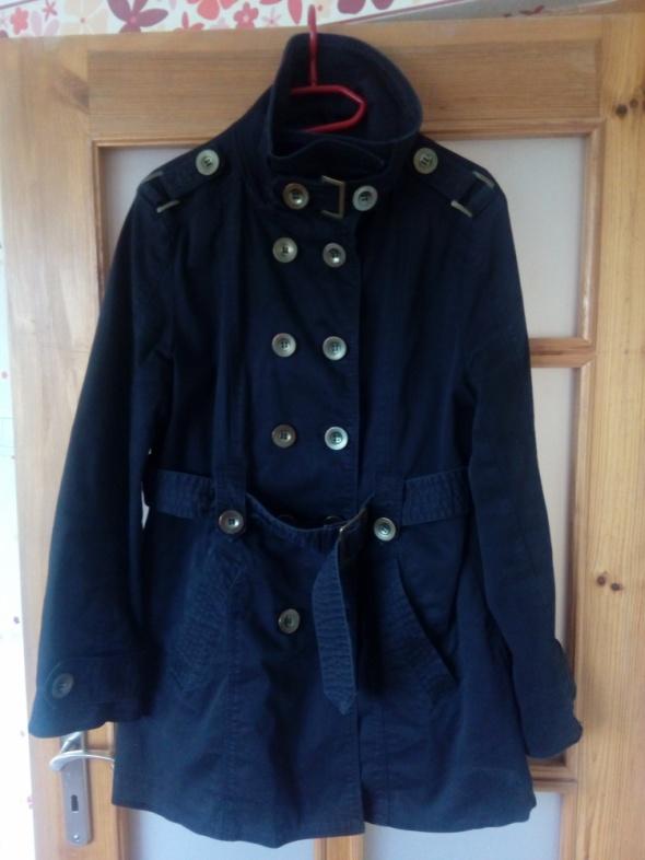 Odzież wierzchnia Płaszcz z paskiem i stójką 42