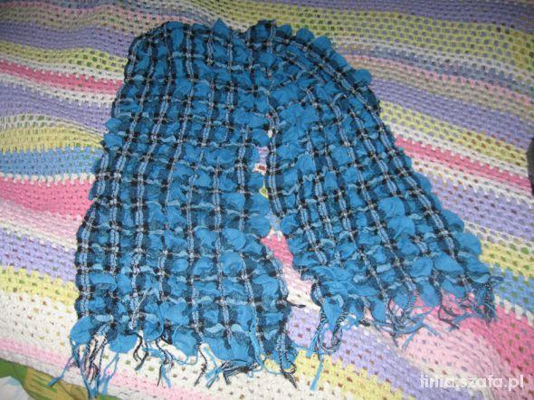 szal niebieska krata marszczony