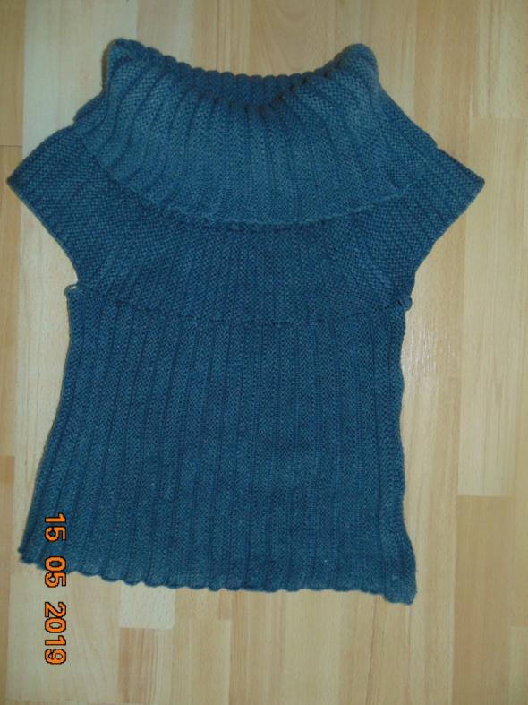 Sweterek bez rękawów