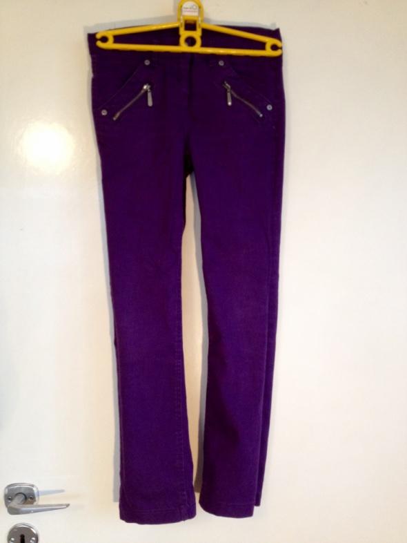 Spodnie fioletowe jeansy dziecięce 140cm nowe
