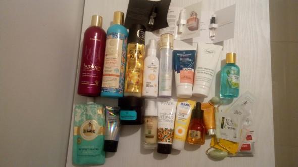 zestaw używanych kosmetyków