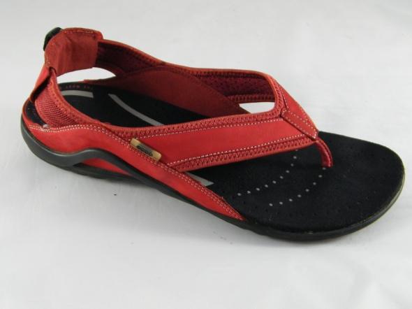 Ecco czerwień sandały