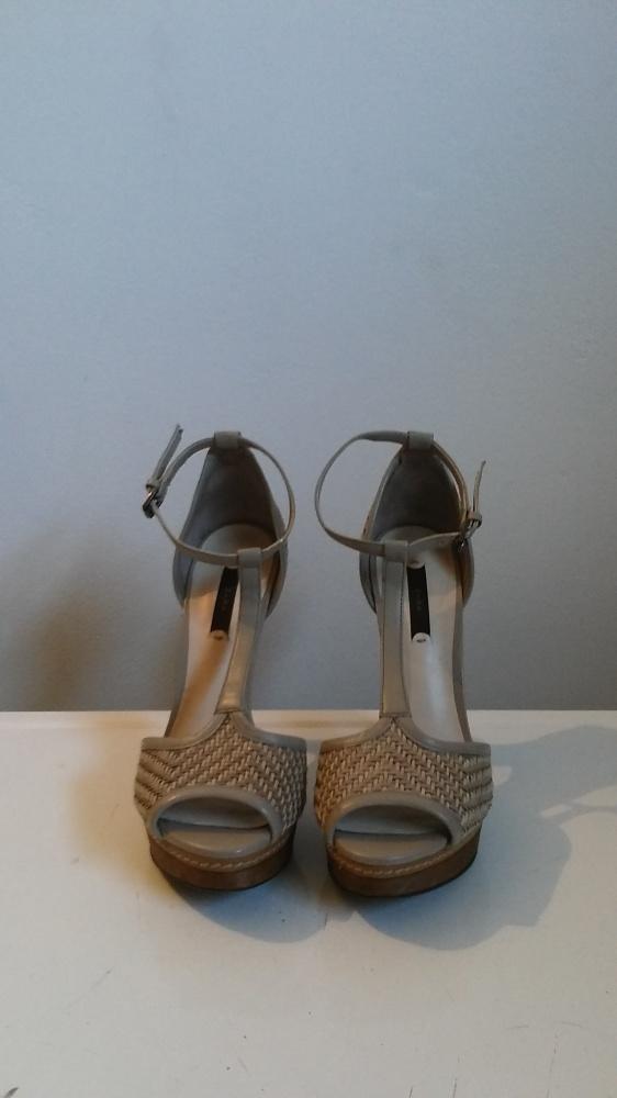 Buty Sandały czółenka na wysokim obcasie marki Zara