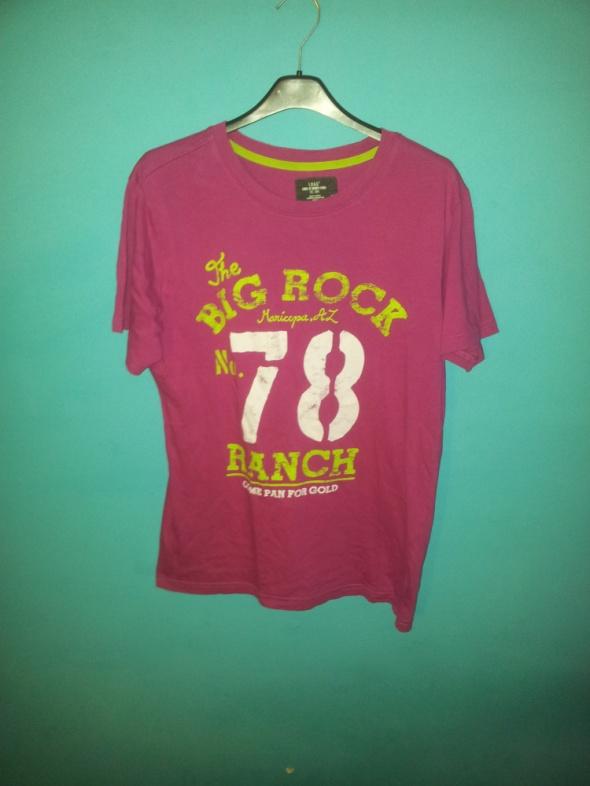 Różowa koszulka z nadrukiem S H&M...