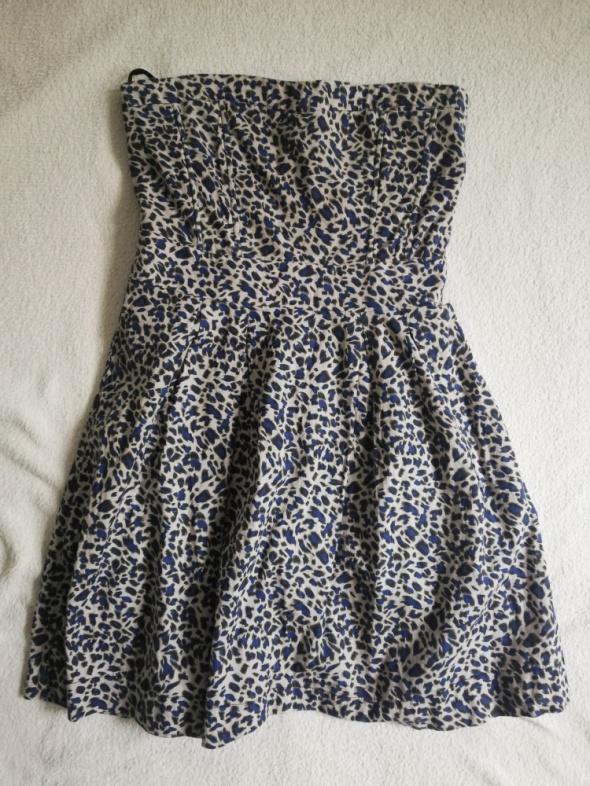 Letnia sukienka z odkrytymi ramionami M...