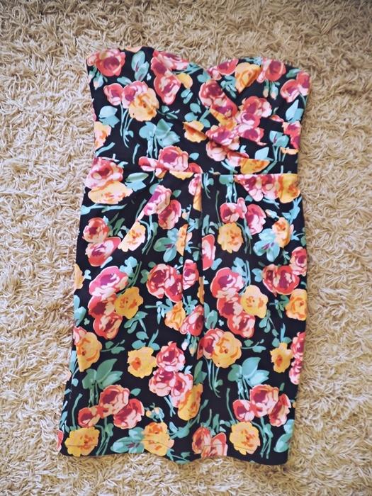 sukienka gorsetowa tuba new look 8 S 36 floral