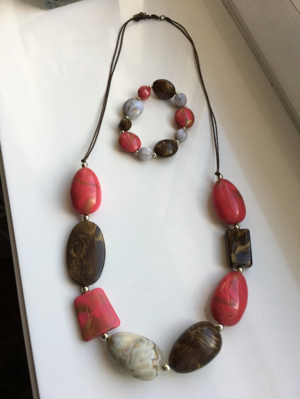 Komplet naszyjnik z koralami i bransoletka na prezent