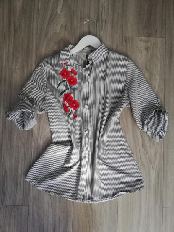 Koszula w paski ornament w kwiatki
