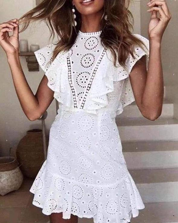 Nowa koronkowa sukienka