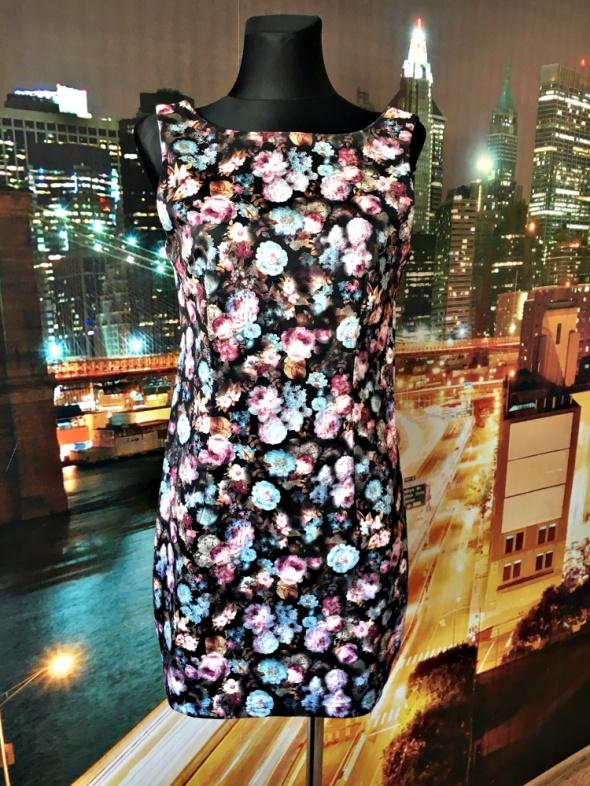 madam rage sukienka mini kwiaty gloral zip na plecach 40