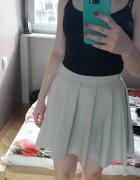 Szara mini spódniczka plisowana Mohito S...