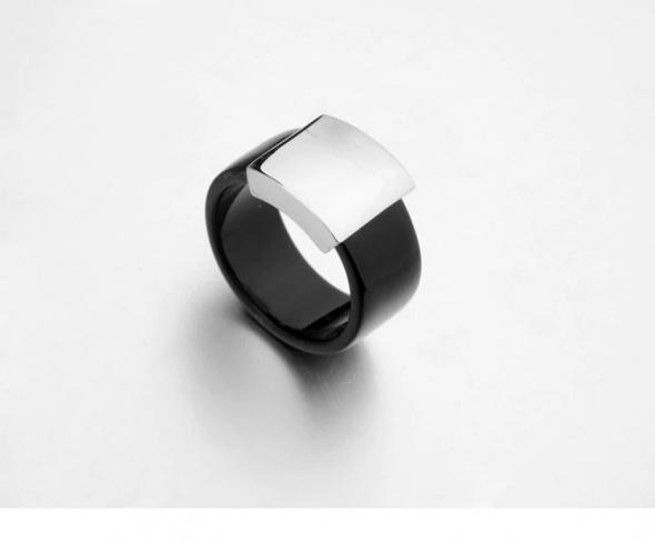 Nowy pierścionek obrączka czarny srebrny szeroki elegancki