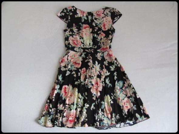 Dorothy Perkins piękna sukienka w kwiaty 40 i 42