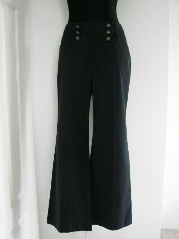 Oryginalne spodnie dzwony NEXT styl militarny
