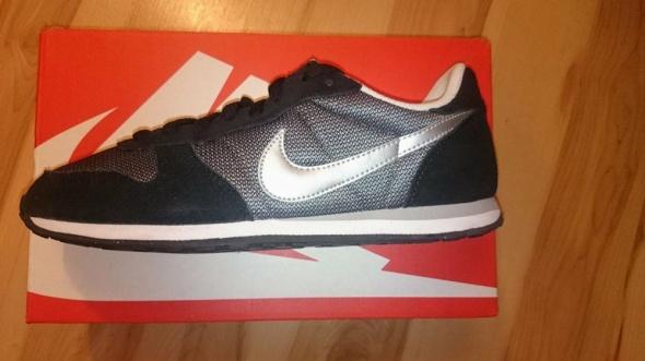 Nike Genicco rozm 25cm...