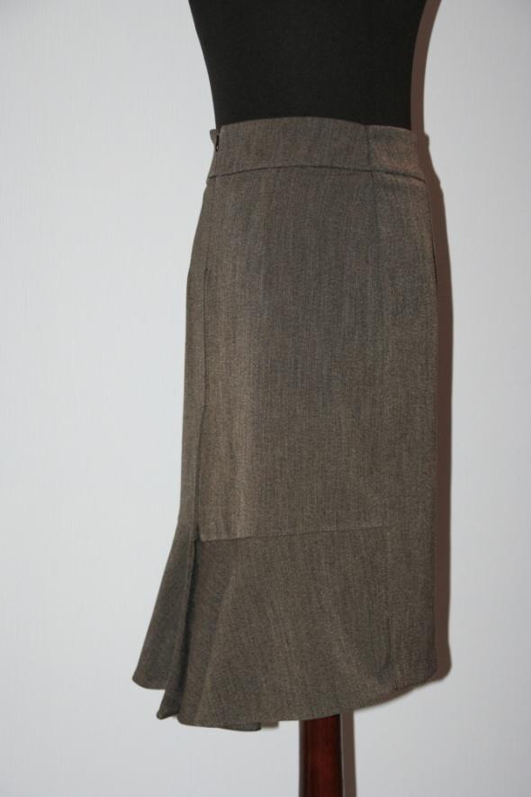 Spódnice szara spódnica w przedłużamym tyłem rozm 38