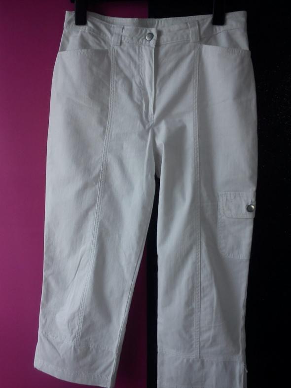 Biale jeansowe spodnie