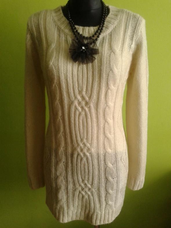 Sukienka oversize akryl...