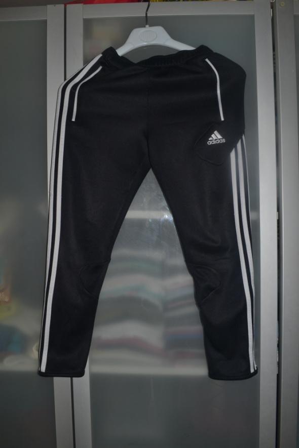 Spodnie i spodenki Adidas spodnie 134cm 140cm 146cm