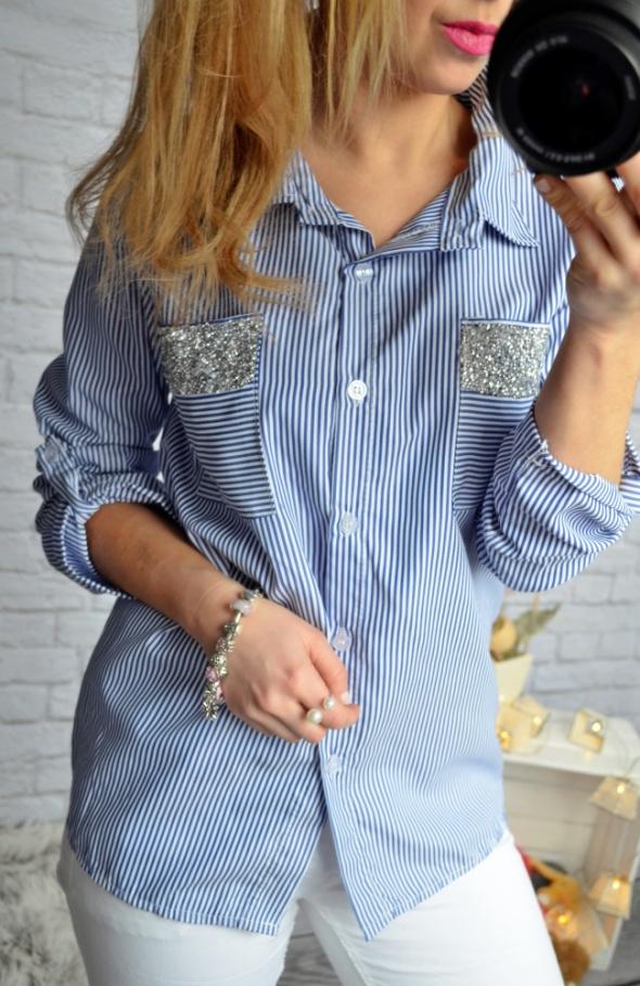 Koszula paski niebieska ozdobne kieszenie
